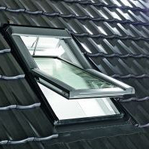 Kyvne-stresni-okna-designo-R4-roto-tronic
